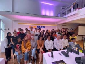 Training : Visit by Students of Singapore Polytechnic